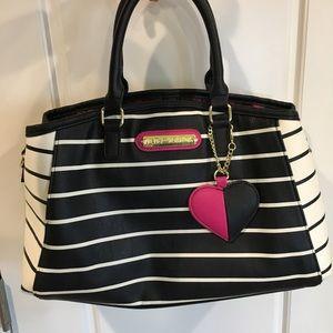 Betray Johnson  purse Black White stripe Heart